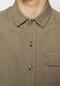 forét - BOAR OVERSHIRT - Summer jacket - stone - 4