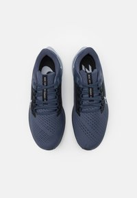Nike Performance - AIR ZOOM PEGASUS 38 - Neutrala löparskor - thunder blue/wolf grey/black/dark obsidian - 3