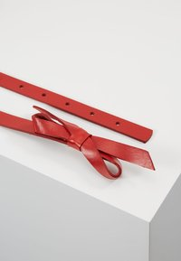 Vanzetti - Pásek - red - 2