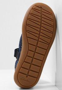 Clarks - FLASH STRIDE - Touch-strap shoes - dark blue - 4