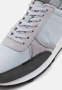 Nike Sportswear - DBREAK-TYPE - Trainers - wolf grey/black/iron grey/white - 5