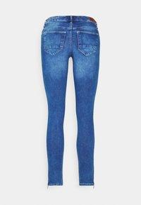 ONLY - ONLKENDELL LIFE - Jeans Skinny - medium blue denim - 6