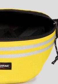 Eastpak - AUTHENTIC - Bum bag - yellow - 3