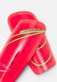Nike Performance - MERCURIAL LITE - Shin pads - bright crimson/rage green/silver - 3
