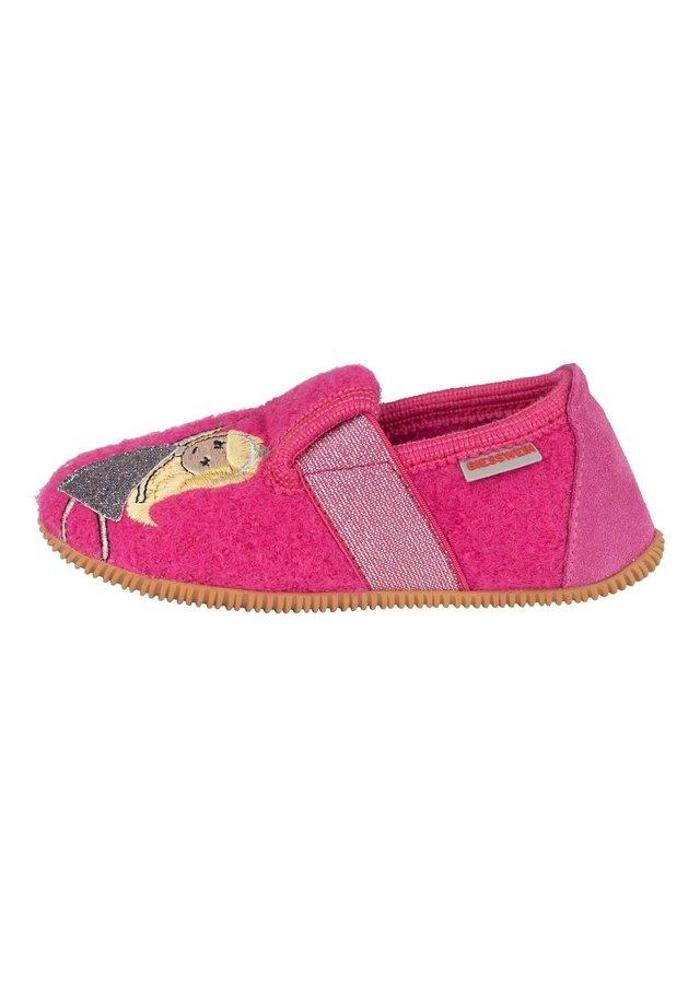 SCHÖNERLINDE - Baby shoes - himbeer