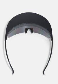 Urban Classics - VISOR SUNGLASSES UNISEX - Sunglasses - black - 2