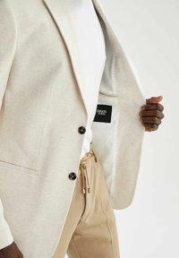 DeFacto - Blazer jacket - ecru - 5