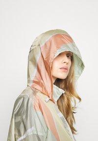 Obey Clothing - SLICE JACKET - Summer jacket - peach multi - 4