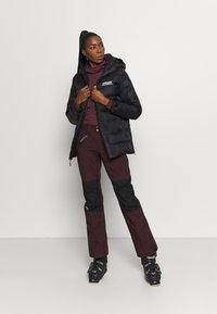 The North Face - ABOUTADAY PANT  - Zimní kalhoty - rootbn/black - 1