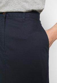 GANT - CLASSIC CHINO SKIRT - Pencil skirt - marine - 3