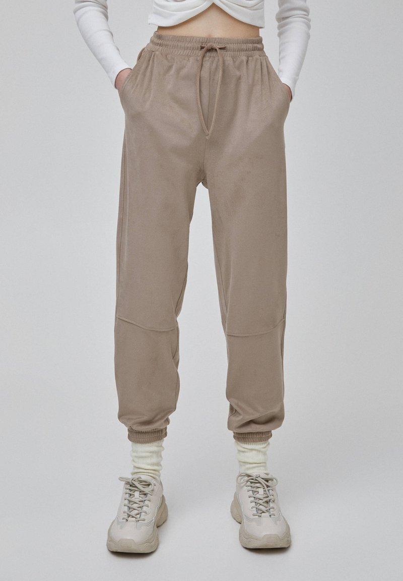 PULL&BEAR - Tracksuit bottoms - beige