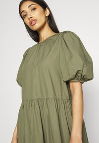 Envii - ENSAFFRON DRESS - Maxi dress - deep lichen green - 3