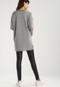 Pieces - SHINY  - Leggings - black - 2