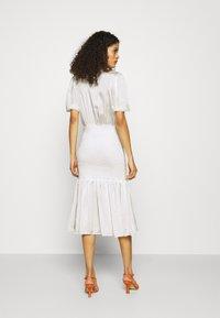 Résumé - DARLA DRESS - Denní šaty - white - 2