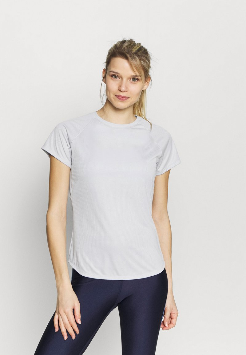 Under Armour - SPEED STRIDE SHORT SLEEVE - Camiseta estampada - halo gray