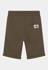 Name it - NKMVERMO - Shorts - ivy green - 1