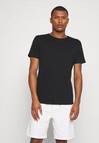 Scotch & Soda - Basic T-shirt - black - 0