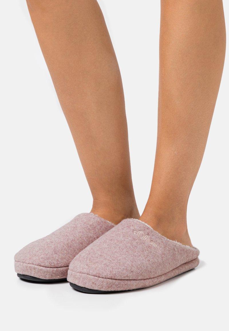 s.Oliver - SLIDES - Pantofole - rose
