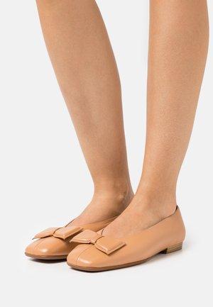 Ballet pumps - iseo sand