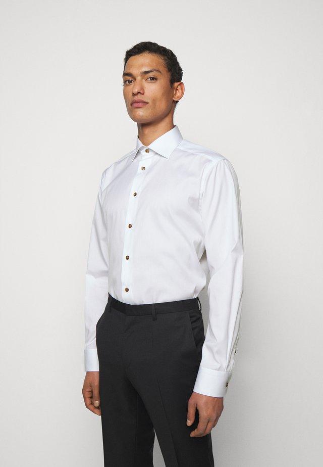 CONTEMPORARYWHITE ETON POPLIN SHIRT - Zakelijk overhemd - white poplin