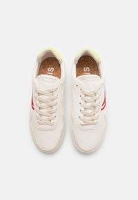 Genesis - SOLEY UNISEX  - Sneakersy niskie - white/red/blue/green - 3