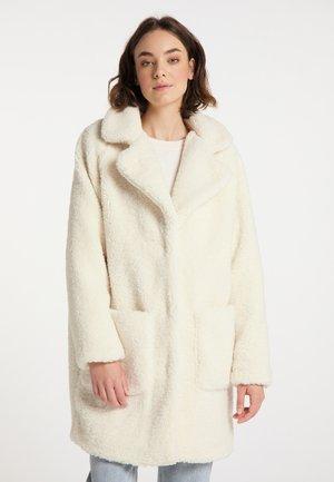 SHEARLING - Winter coat - wollweiss