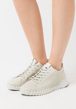 ZIPFLEX  - Sneakersy niskie - white