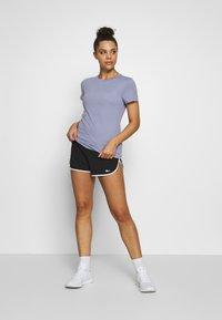 Reebok - Print T-shirt - purple - 1