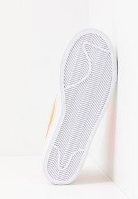 Nike Sportswear - BLAZER  - Zapatillas altas - light bone/total orange/orange trance/white - 3