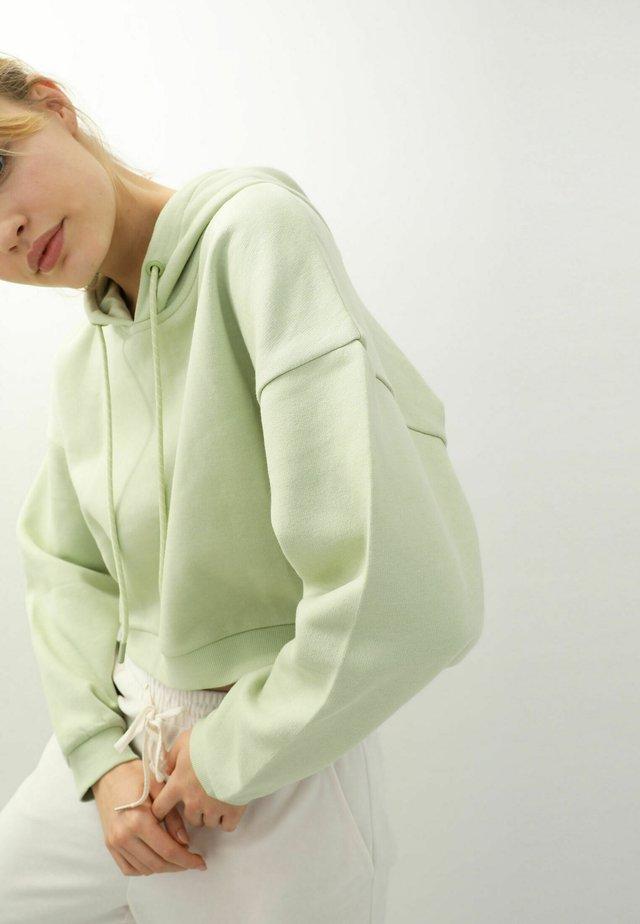 Mikina skapucí - grün