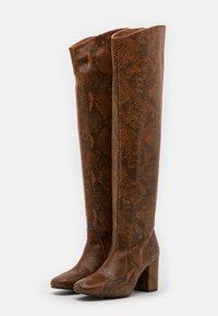 Pinko - LAETITIA STIVALE - Over-the-knee boots - marrone - 2