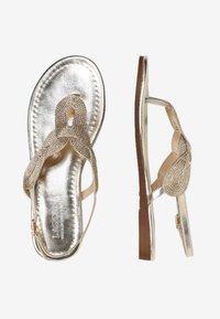 LASCANA - Sandalias de dedo - gold-coloured - 2