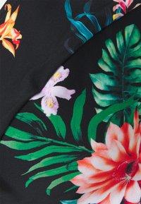 Pour Moi - WATERFALL UNDERWIRED HALTER TRIANGLE - Bikini top - tropical - 5