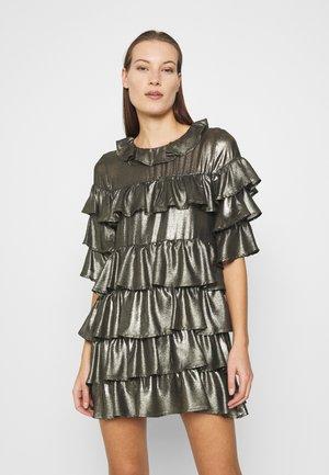 RUFFLE MINI DRESS - Koktejlové šaty/ šaty na párty - bronze