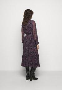 Bruuns Bazaar - GRACE SICI DRESS - Košilové šaty - grace artwork - 2