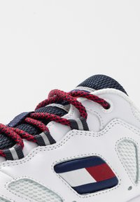 Tommy Jeans - WMNS NEVIS 1C4 - Trainers - white - 2
