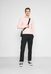 INDICODE JEANS - LASSO - Cargo trousers - black - 1