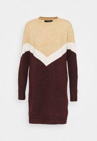Vero Moda - VMGINGOBLOCK O-NECK DRESS  - Strikket kjole - cabernet/birch/tan - 3