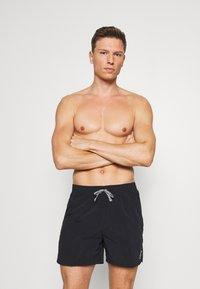 Nike Performance - VOLLEY ESSENTIAL - Shorts da mare - black - 0