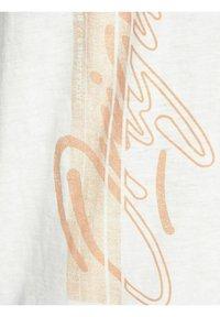 Jack & Jones - RELAXED FIT - Print T-shirt - cloud dancer - 6