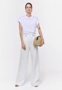 Uterqüe - Spodnie materiałowe - white - 1