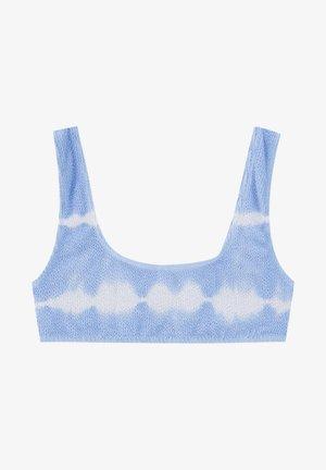 MIT STREIFEN UND TEXTUR - Bikini top - light blue