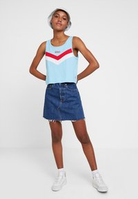 Levi's® - DECON ICONIC SKIRT - Spódnica trapezowa - dark-blue denim
