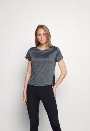 TECH VENT - Print T-shirt - black