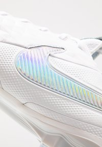 Nike Performance - TIEMPO LEGEND 8 ELITE FG - Moulded stud football boots - white/pure platinum/wolf grey - 6
