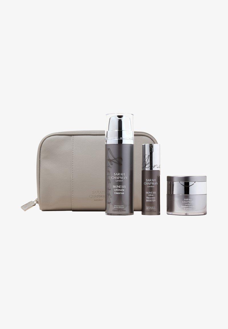 Sarah Chapman - SKINESIS SKIN SOLUTIONS – THE SENSITIVITY FIX - Skincare set - -
