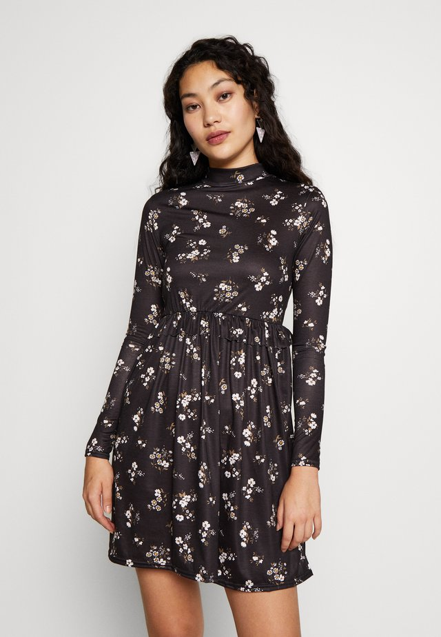 FLORAL FRILL WAIST DRESS - Vapaa-ajan mekko - black