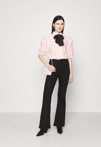 Sister Jane - APERITIF FLORAL PUFF SLEEVE BLOUSE - Button-down blouse - pink - 1