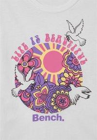 Bench - EMBERNA 3 PACK - Camiseta estampada - lemon/white/lilac - 3