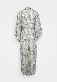 Hunkemöller - KIMONO LONG LEAF - Dressing gown - climbing ivy - 1